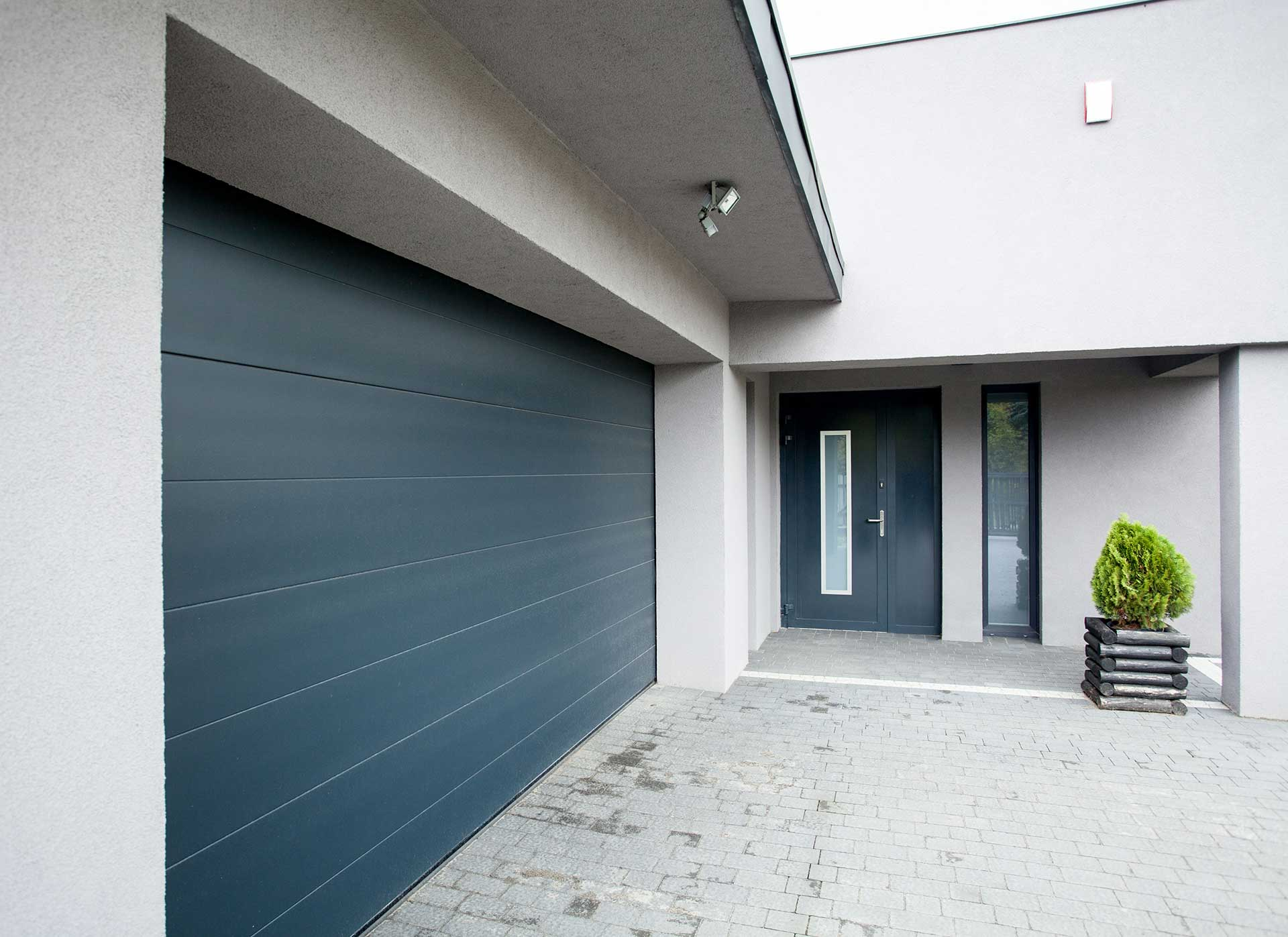 Cotswold Garage Doors Design and Installation